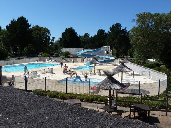 Piscines photo de camping le bordeneo le palais for Camping belle ile en mer avec piscine