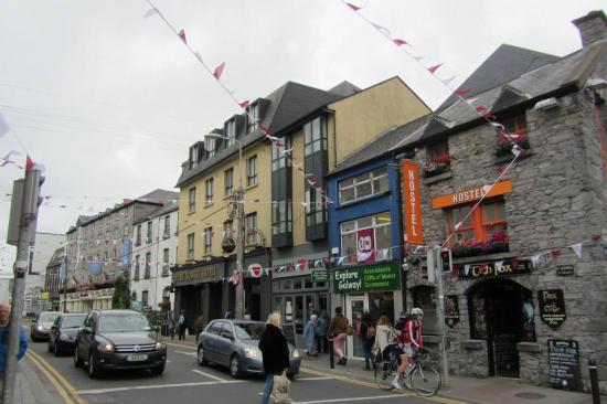 Eyre Square Hotel Forster Street Is Great