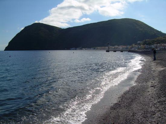 Eolian Noleggi: Spiaggia di Canneto