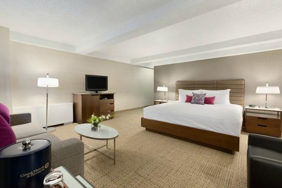 Coast Edmonton Plaza Hotel By Apa Premium Room With Sofa Bed