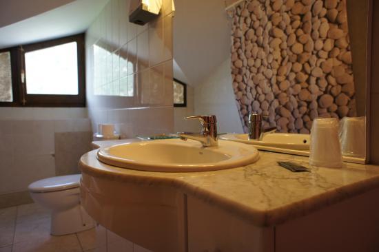 Hotel La Planada: Cuarto de baño