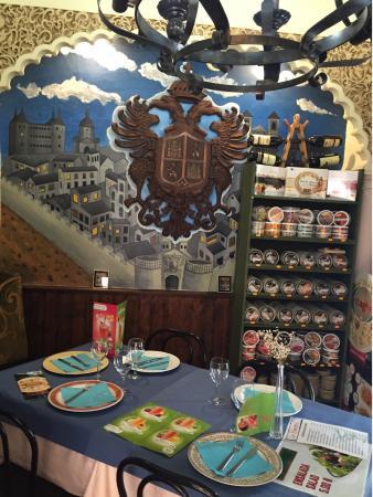 Lo Nuestro-Tapería Restaurante