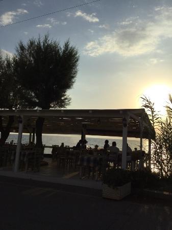 Kalo Nero, اليونان: To Petrino Balkoni