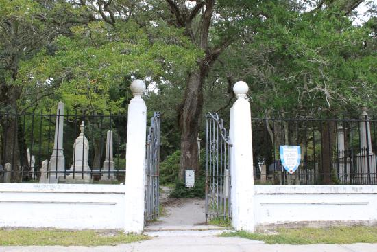 Entrance to the Old Burying Ground in Beaufort, NC