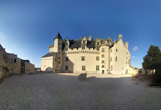 Chateau de Montreuil-Bellay Photo