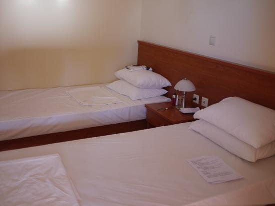 Alexander Apartments: Bedroom