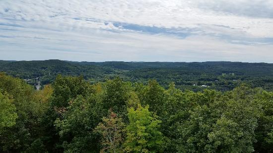 Norfolk, CT : Haystack Mountain State Park