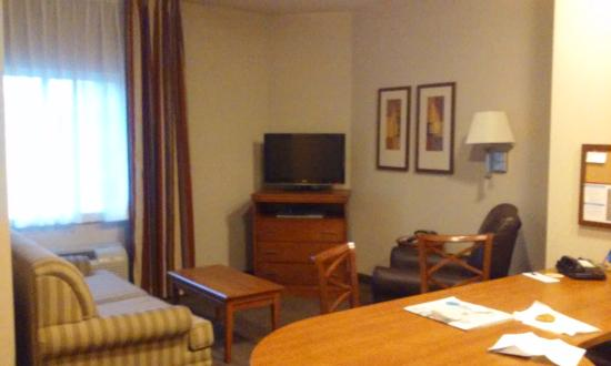 Candlewood Suites Bordentown/Trenton: The Suite Sitting Area