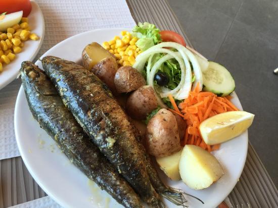Snack Bar Alto Monte: Sardines grillées