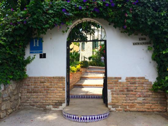 Hostal Los Geranios del Pinar: Eingang des Hostals