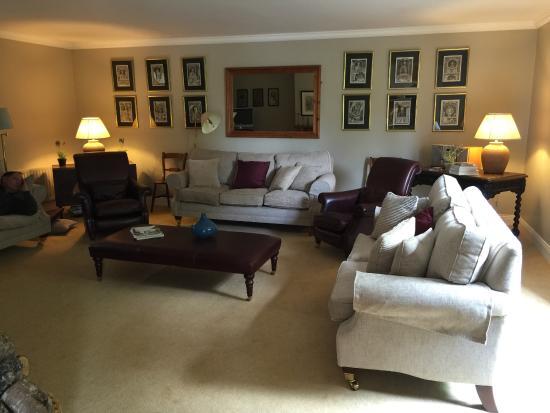 Beaufort House: Living Room