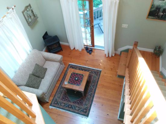 Applewood Hollow Bed and Breakfast: Living area