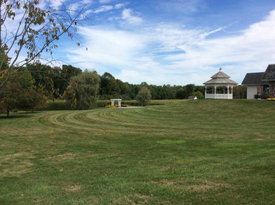 Hampton, NJ: Hunterton Hills Playhouse