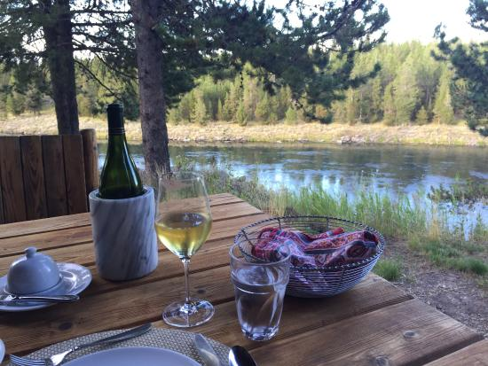 Henry's Fork Lodge: Dining on the deck