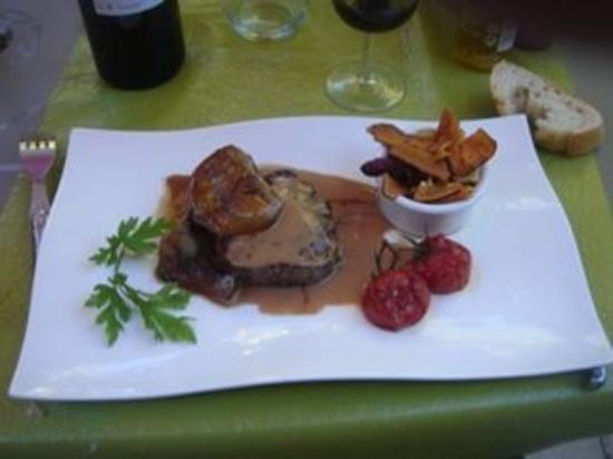Saint-Macaire, Frankrike: Tournedos de boeuf au foie gras