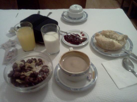 Residencial Dublin : Continental Breakfast