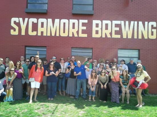 Cornelius, Carolina del Norte: Group picture at Sycamore Brewery on 4/11/15 Brew Ha Ha Tour