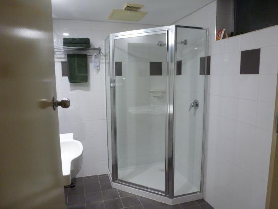 Comfort Inn On Raglan: Bathroom