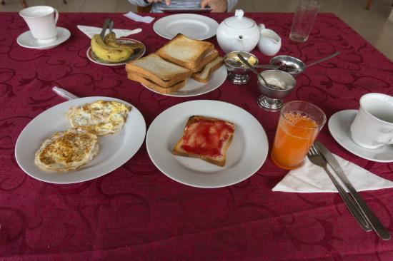 Majestic Tourist Hotel: Our breakfast