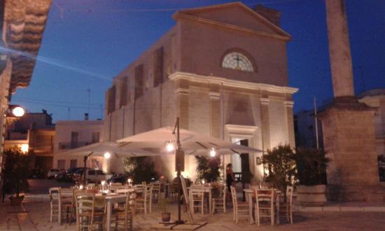Osteria Torromeo: Osteria Sud Est - tavoli in Piazza Immacolata