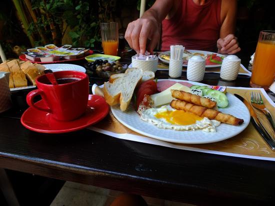Kaleici Lodge Hotel: Breakfast