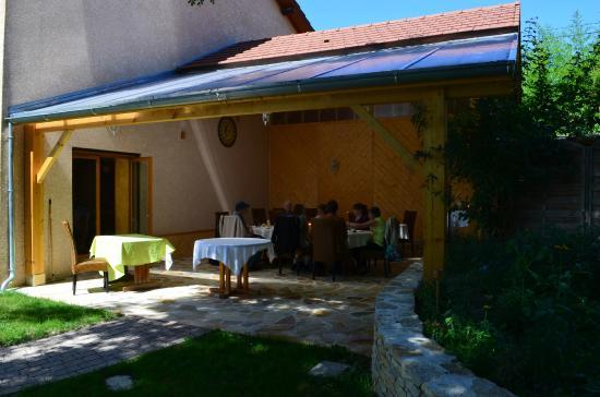Restaurant Les Tilleuls : Terrasse couverte