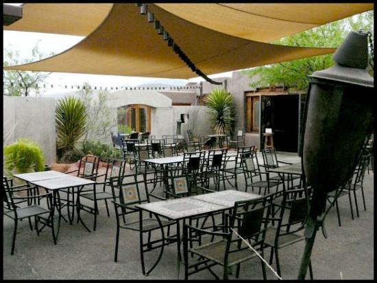 Xetava Gardens Cafe: patio photo