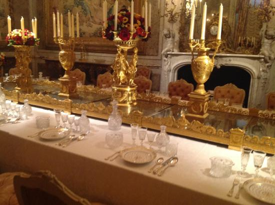 Waddesdon Manor Gold table setting & Gold table setting - Picture of Waddesdon Manor Waddesdon - TripAdvisor