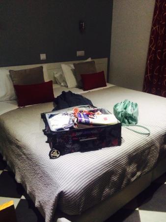Hotel Frentomar : Huge bed
