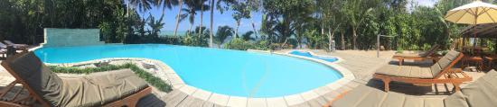 Matanivusi Surf Resort: The pool