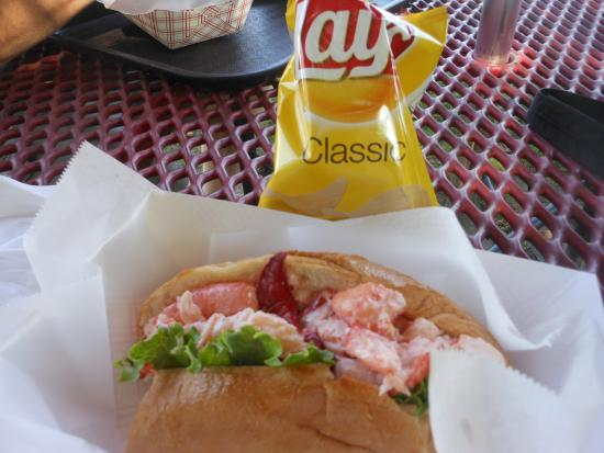 Seabasket Restaurant : Lobster Roll At The Seabasket, Wiscasset, Maine