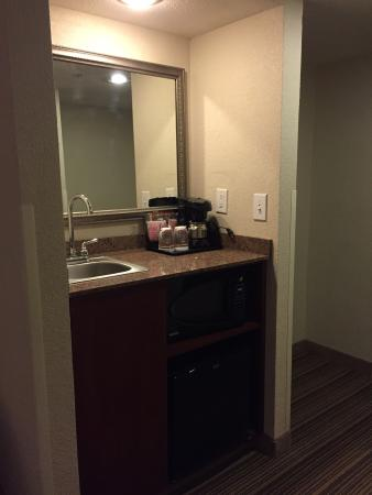 Country Inn & Suites By Carlson, Atlanta Northwest at Windy Hill Road: photo1.jpg