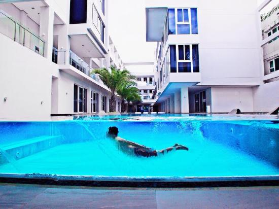 Swimming pool - Picture of Astoria Current, Boracay - TripAdvisor