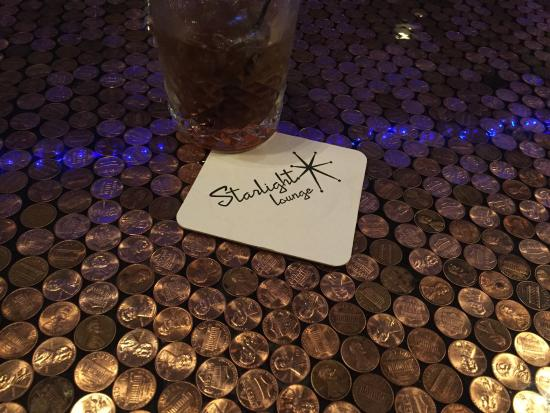 เบลแลร์, มิชิแกน: Coolest little bar in town.