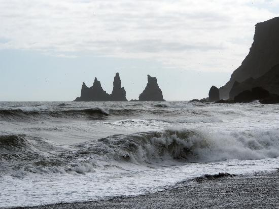 Vogar, Islandia: The three sisters near Vik