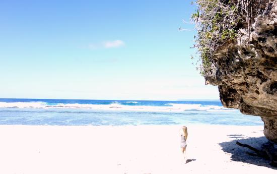 Oholei Beach Resort : beach in front of resort