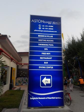 Aston Sunset Beach Resort: entrance