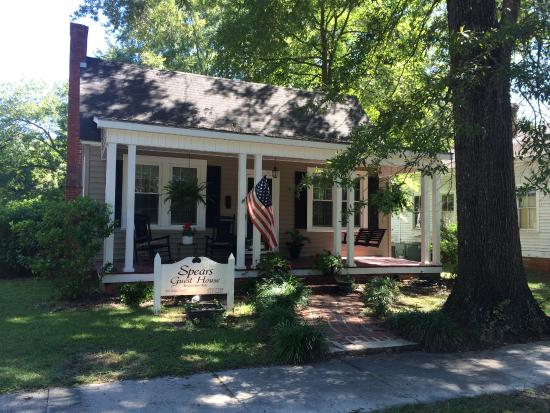Cheraw, Carolina Selatan: Loved the front porch!