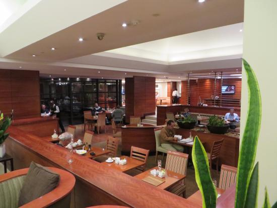 City Lodge Hotel Johannesburg Airport - Barbara Road: Cafe lounge Area