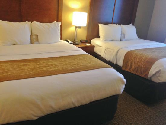 Comfort Inn and Suites Colonial: Comfy beds