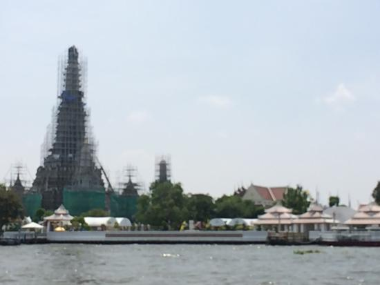 Temple of Dawn (Wat Arun): Unfortunately it is under construction and renovation, so maybe now it's not the best time to vi