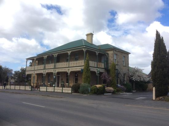 richmond arms hotel picture of richmond clarence. Black Bedroom Furniture Sets. Home Design Ideas