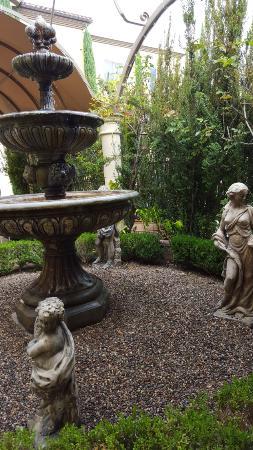 Ayres Hotel Laguna Woods: patio