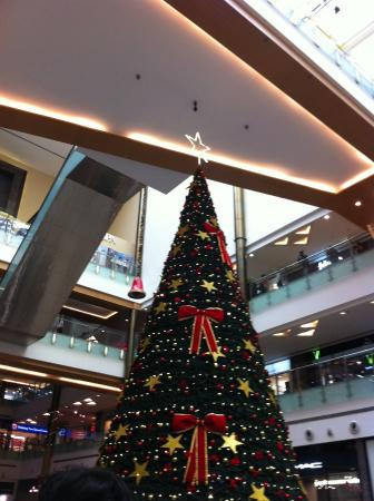 orion mall mall decorated for christmas