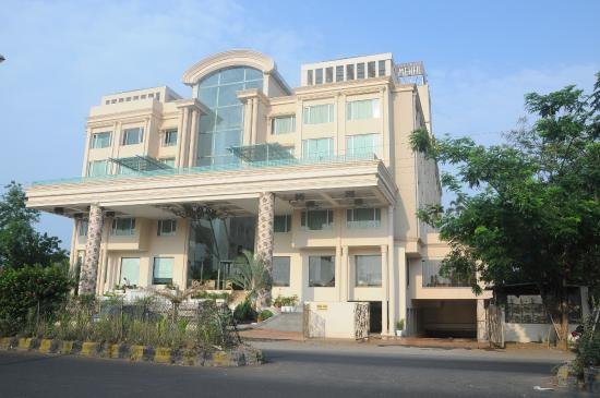 Quiet and really cool review of hotel grand mehfil for Really cool hotels