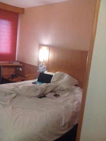 Ibis Abidjan Plateau: Room Photo