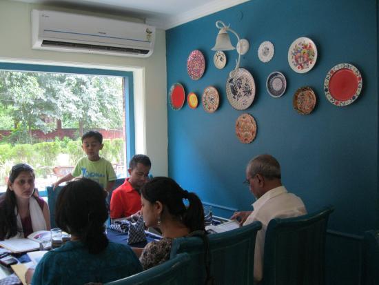 YWCA International Hostel: Inside Kitchen