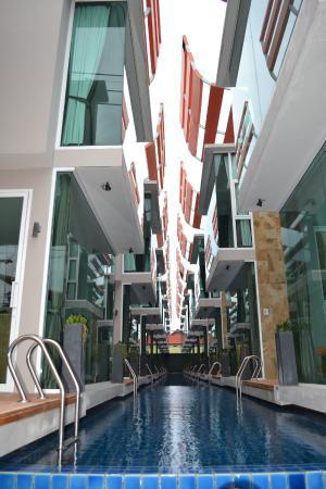 P10 Samui: Front view