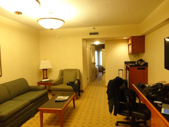 Doubletree Suites by Hilton Hotel & Conference Center Chicago / Downers Grove: Das vordere Zimmer