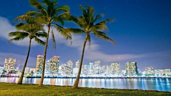 Aloha Stadium Flea Market - Picture of Reliable Shuttle